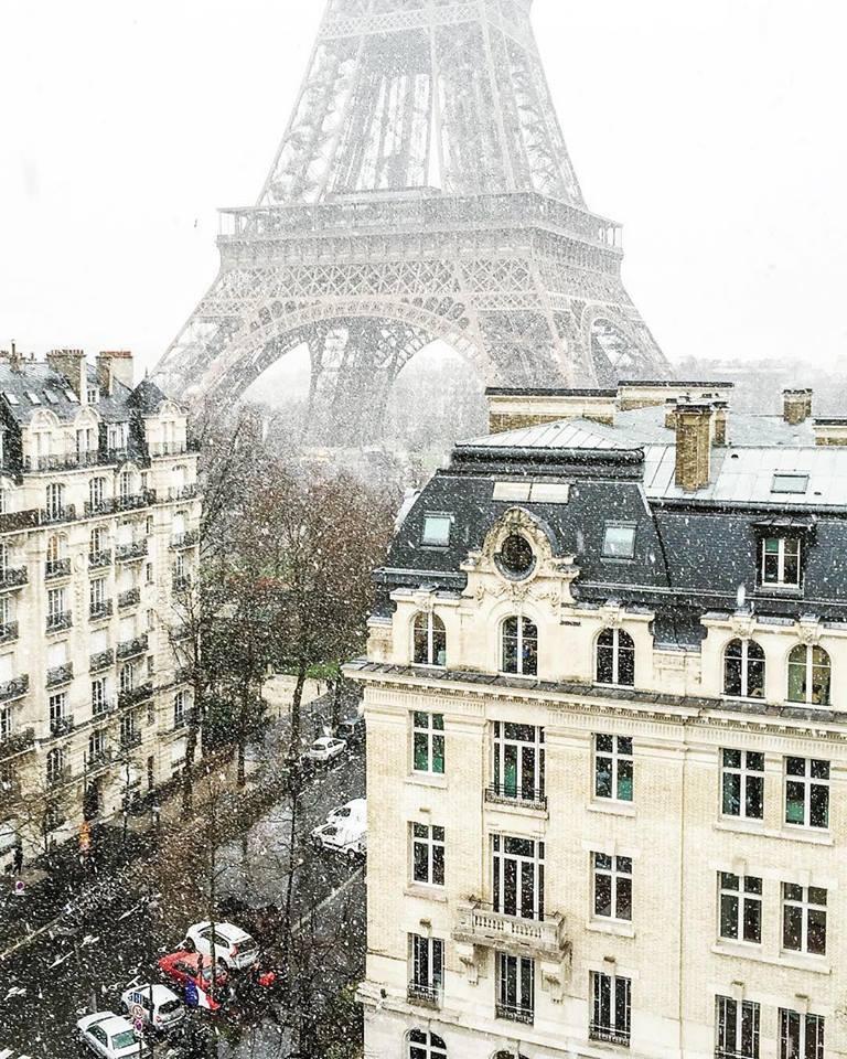 Parigi gennaio neve